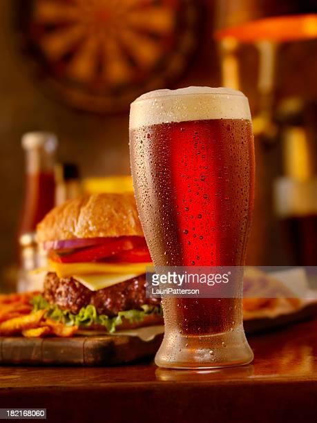 Bier und ein Burger