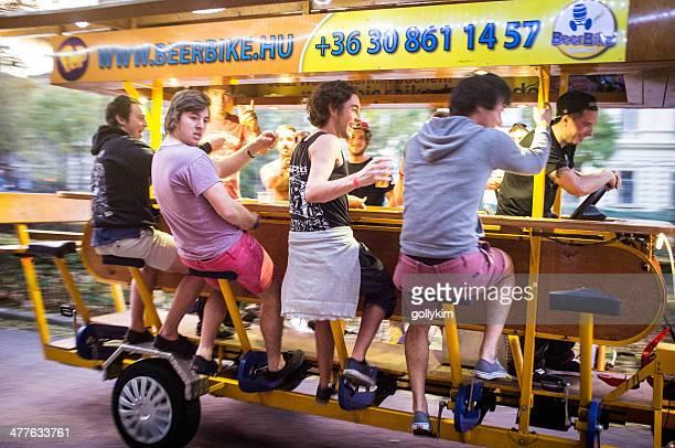 Cerveza paseos en bicicleta en Budapest, Hungría