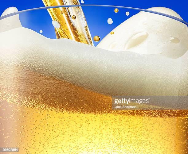 Beer foam wave