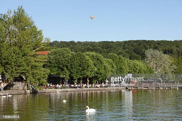 Beer garden in Herschinger, Ammersee lake, Fuenfseenland or Five Lakes region, Upper Bavaria, Bavaria, Germany, Europe