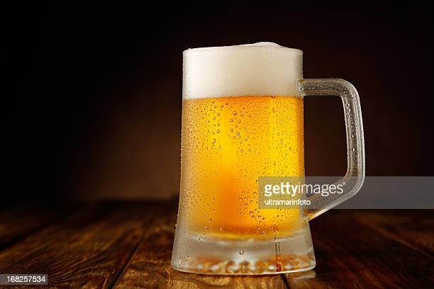 フラットブレッドサンドイッチ - ラガービール ストックフォトと画像