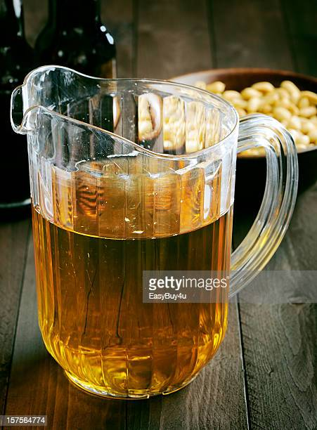 beer pitcher - pitcher stockfoto's en -beelden