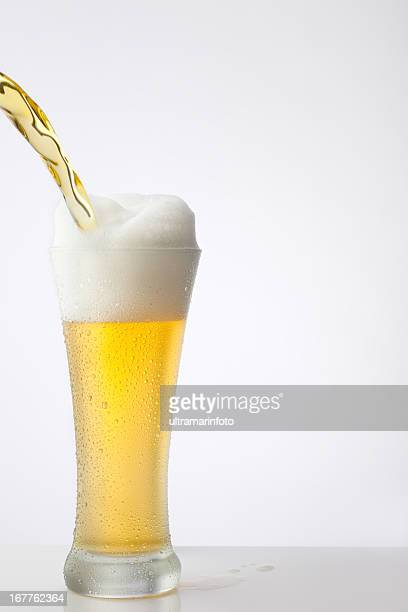 Beer pour in glass