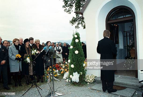 Beerdigung von Professor Julius HackethalTrauerfeier Ehefrau Nr 2 WaltraudSiglinde Hackethal Kapelle TVPfarrer Fliege