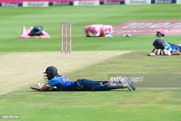 Bees stop play during the 4th One Day International match between South Africa and Sri Lanka at Bidvest Wanderers Stadium on February 04 2017 in...