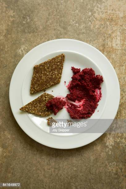 Beetroot hummus with flaxseed crackers