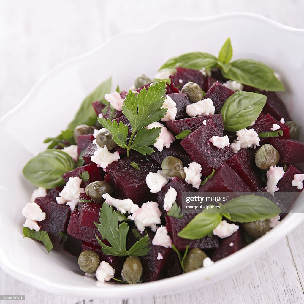beetroot salad with cheese and basil : Bildbanksbilder