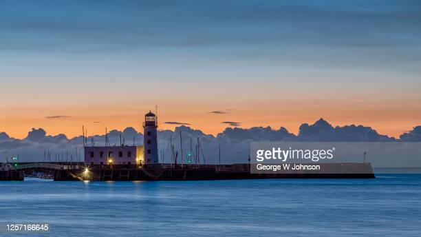 before sunrise - scarborough uk stock pictures, royalty-free photos & images