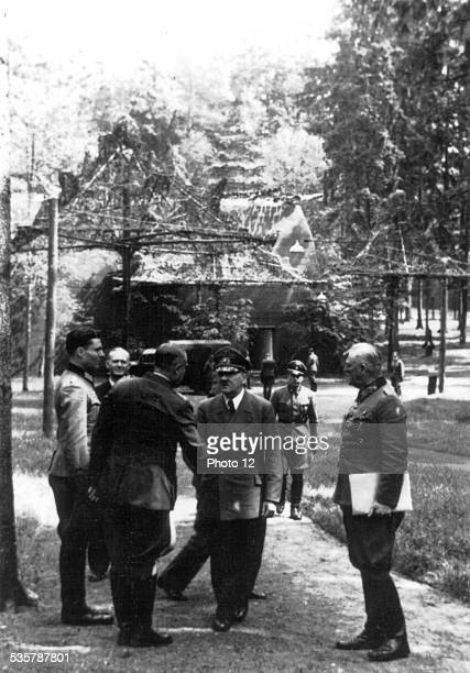 Before the assassination attempt against Hitler Stauffenberg Puttkamer Bodenschatz Hitler Keitel in front of the building where the bomb will explode...