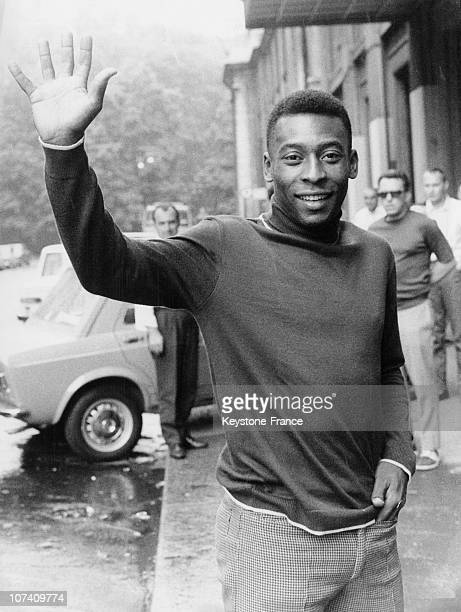 Before The International Soccer Match Between Santos FC Of Bresil And Milano Edson Arantes Do Nascimento Dit Pele Has Scored 979 Buts On June 23Rd...