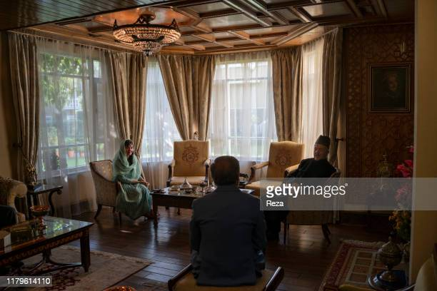 Before voting Dr Abdullah receives the visit of the ismaeli political and spiritual leader Sayyed Mansour Naderi and his daugher before going to...