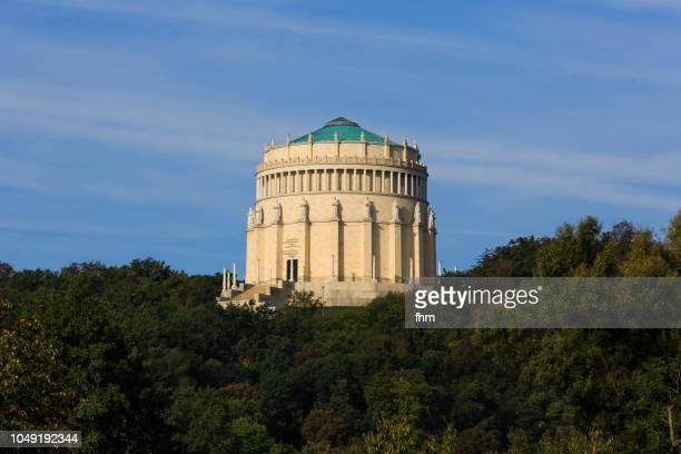 befreiungshalle (hall of liberation) kelheim (bavaria, germany) - luogo d'interesse locale foto e immagini stock