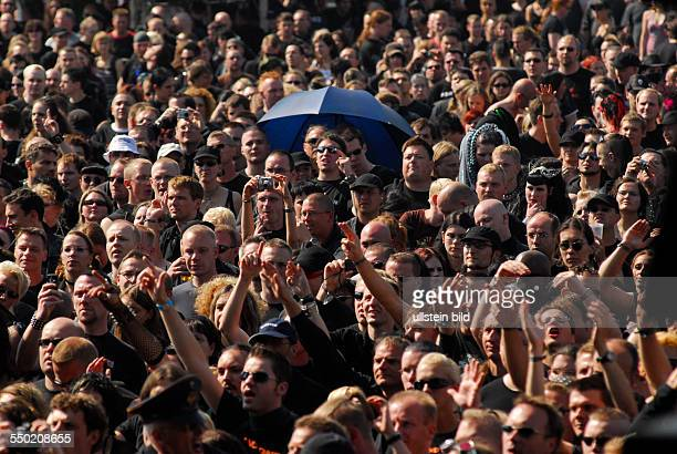 Begeistertes Publikum anlässlich des Mera Luna Festivals in Hildesheim