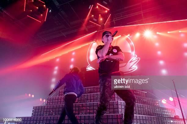 Beginner die deutsche HipHopMusikgruppe bestehend aus Jan Philipp Eissfeldt alias Jan Delay Dennis Lisk alias Denyo und Guido Weiß alias DJ Mad bei...