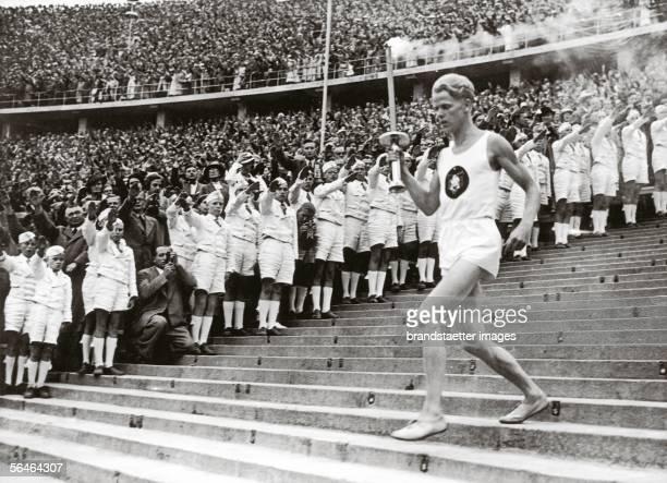 Beginning of the eleventh Olympic Games Photography 181936 [Der Beginn der XI Olympischen Spiele Photographie 181936]