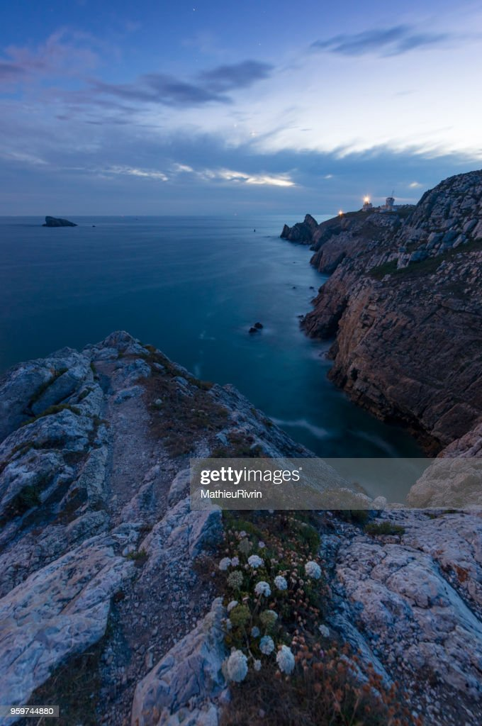 Beginning of the night in Crozon, Brittany : Stock-Foto