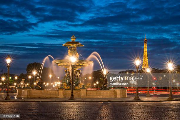 beginning of the night : the best view of paris - place de la concorde stock pictures, royalty-free photos & images