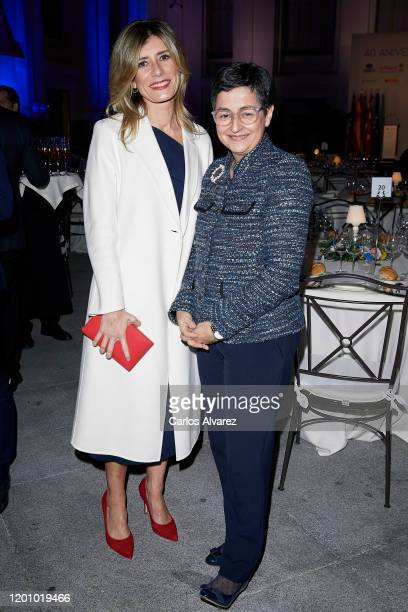 Begona Gomez and Minister of Foreign Affairs, European Union and Cooperation Arancha Gonzalez Laya attend commemorative dinner of the 40th...
