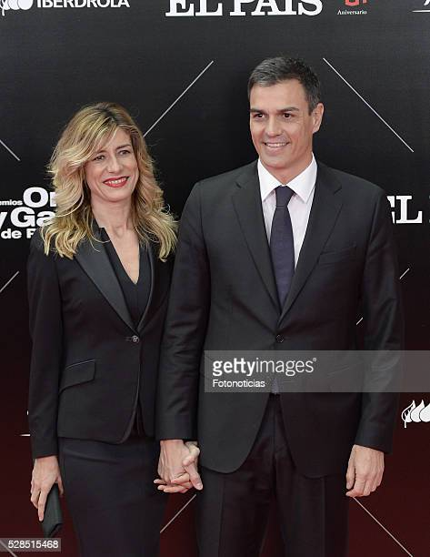 Begona Gomez and Pedro Sanchez attend the El Pais 40th anniversary dinner and 'Ortega y Gasset' awards ceremony at the Palacio de Cibeles on May 5...