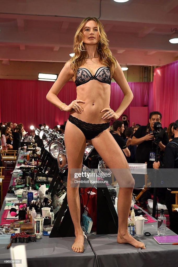 2015 Victoria's Secret Fashion Show - Hair & Makeup : News Photo