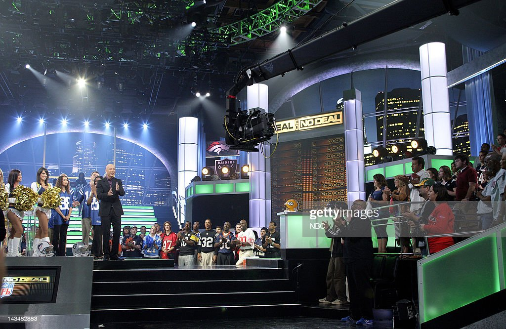Deal or No Deal -- Behind the Scenes with the NFL : News Photo