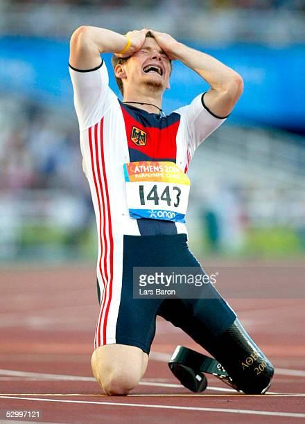 Behindertensport / Leichtathletik / Maenner Paralympics 2004 Athen 250904 200m Finale T42 Wojtek CZYZ / GER / Gold FotoBONGARTS/Lars Baron