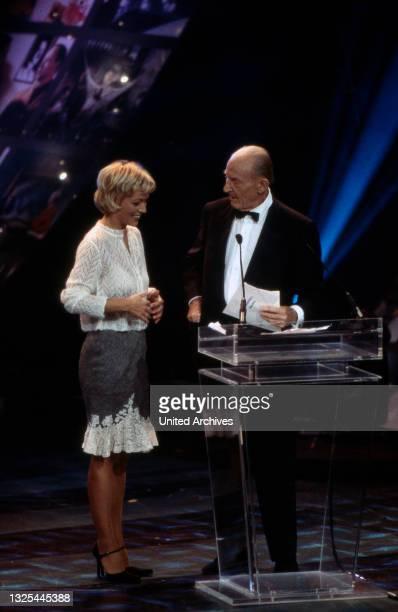 Bei der Verleihung des Telestar 1998 in Köln, Deutschland 1998 im Maritim Hotel(.