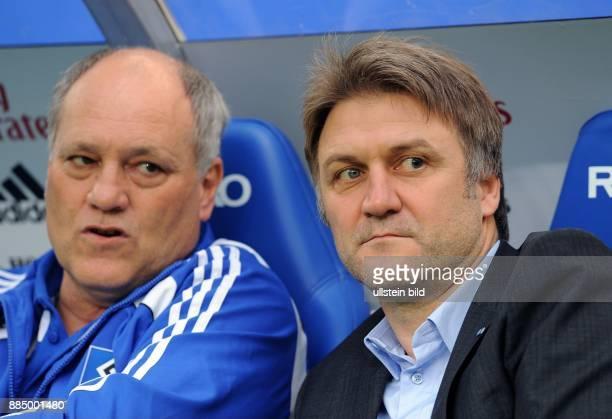 Beiersdorfer, Dietmar - sportlicher Leiter und stellvertretender Vorsitzender, Hamburger SV, D - neben Trainer Martin Jol auf der Trainerbank -