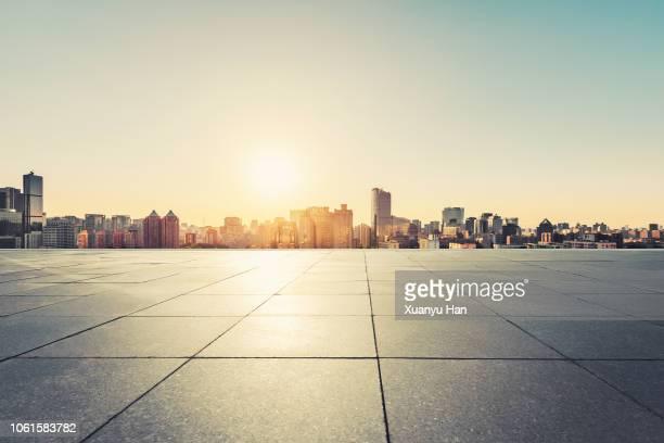 beijing city square - alba crepuscolo foto e immagini stock
