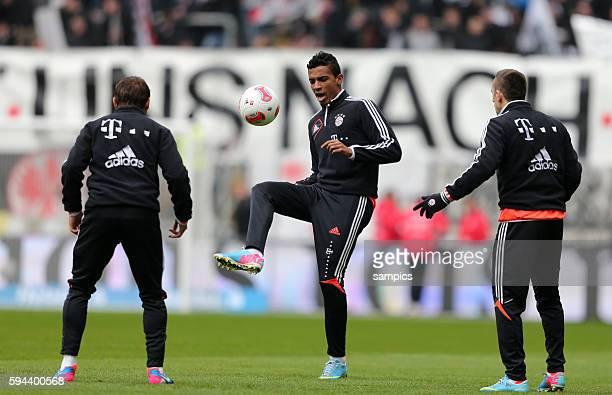 Beim Auwärmen RAFINHA FC Bayern München Luiz GUSTAVO FC Bayern München und Franck RIBERY FC Bayern München 1 Bundesliga Fussball Eintracht Frankfurt...