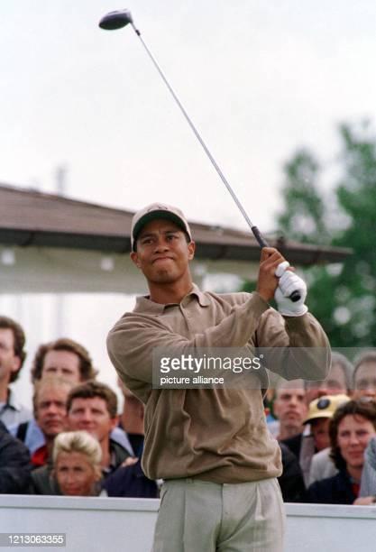 Beim mit 33 Millionen Mark dotierten PGATurnier Deutsche BankSAP Open im Rahmen der Europameisterschaft der Golfer schlägt der 23jährige USAmerikaner...