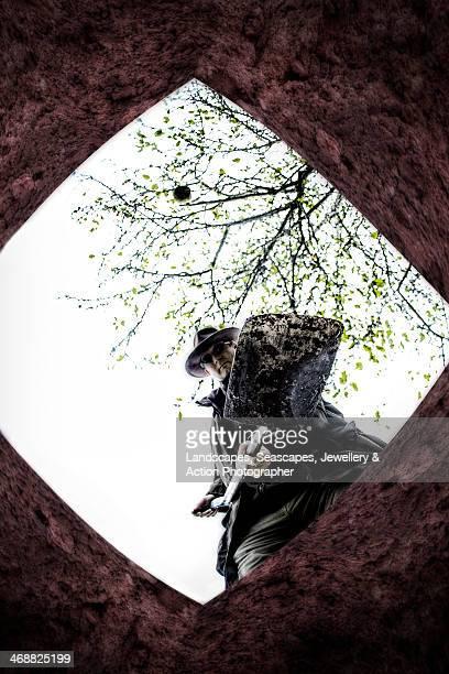 being buried alive - 浅い ストックフォトと画像
