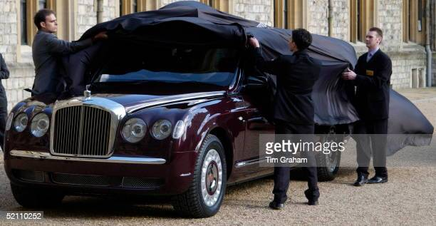 Being Unwrapped At Windsor Castle The New Bentley State Limousine Car Presented To Queen Elizabeth II As A Golden Jubilee Gift On Behalf Of A...