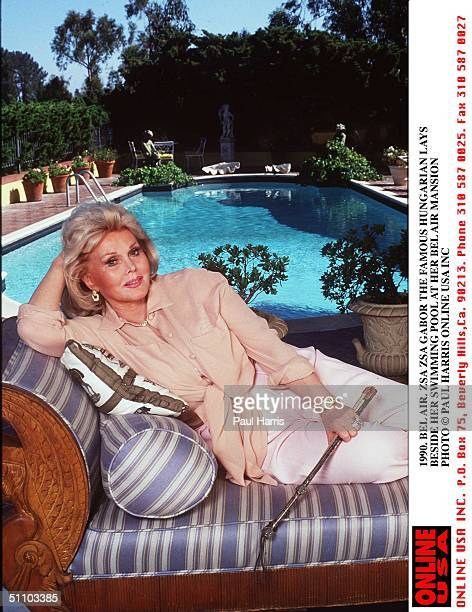 1990 Bel Air Zsa Zsa Gabor Beside Her Swimming Pool In The Garden Of Her Bel Air Mansion
