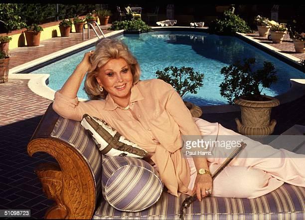1992 Bel Air Zsa Zsa Gabor Poolside In Her Bel Air Mansion