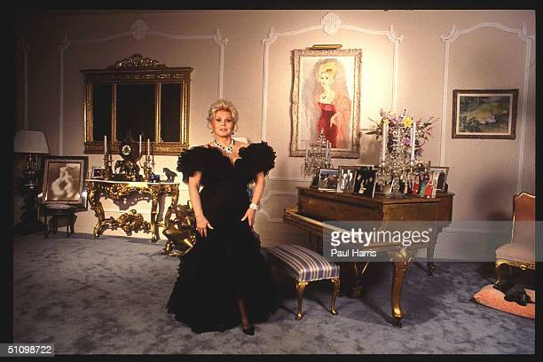 1993 Bel Air Zsa Zsa Gabor Stands In One Of Her Rooms In Her Bel Air Mansion
