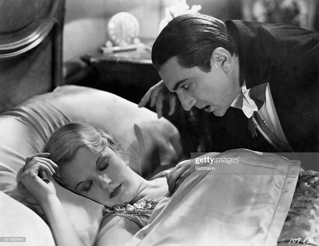 Bela Lugosi and Helen Chandler in Dracula : News Photo