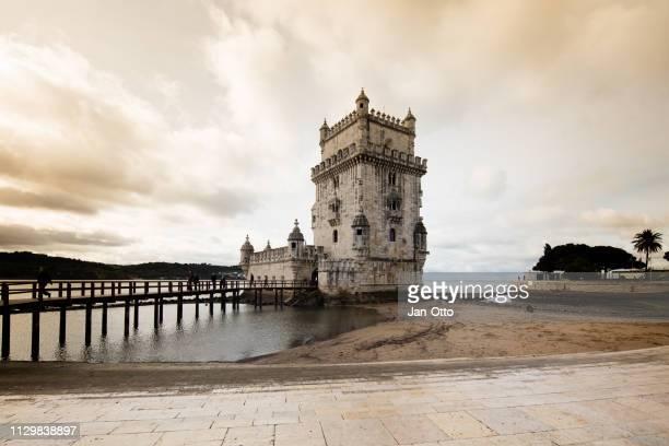 torre de belem, lisboa - portugal fotografías e imágenes de stock