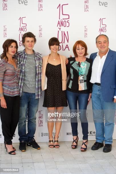 Belen Lopez Aron Piper Maribel Verdu director Gracia Querejeta and actor Tito Valverde attend the Quince Anos Y Un Dia photocall at the...