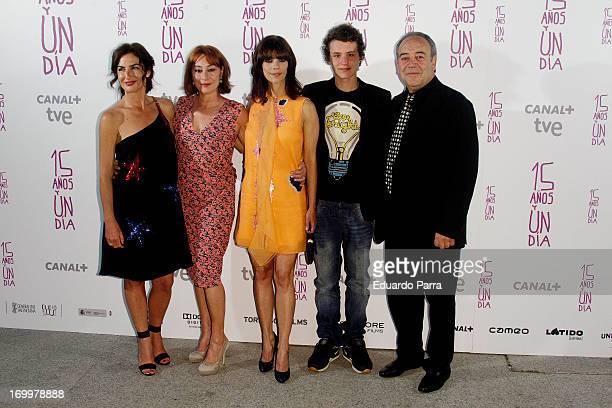 Belen Lopez Gracia Querejeta Maribel Verdu Aron Piper and Tito Valverde attend 'Quince anos y un dia' premiere photocall at Cinema Academy on June 5...