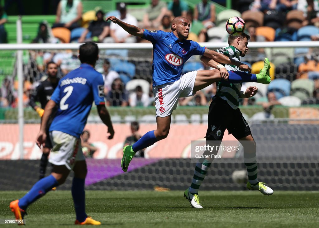 Belenenses's forward Maurides from Brazil with Sporting CP's defender Sebastian Coates from Uruguay in action during the Primeira Liga match between Sporting CP and CF Os Belenenses at Estadio Jose Alvalade on May 7, 2017 in Lisbon, Portugal.