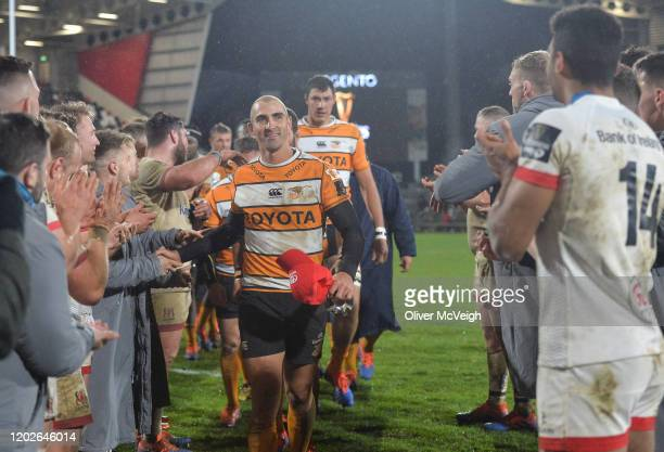 Belfast , United Kingdom - 22 February 2020; Former Ulster player Ruan Pienaar of Toyota Cheetahs takes the applause of the Ulster players after the...