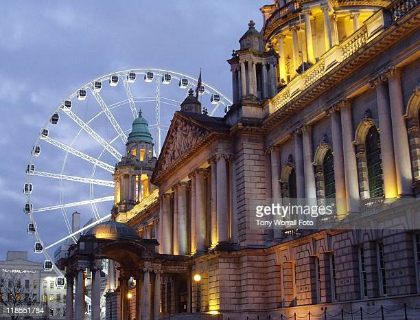 belfast wheel at night - belfast stock pictures, royalty-free photos & images