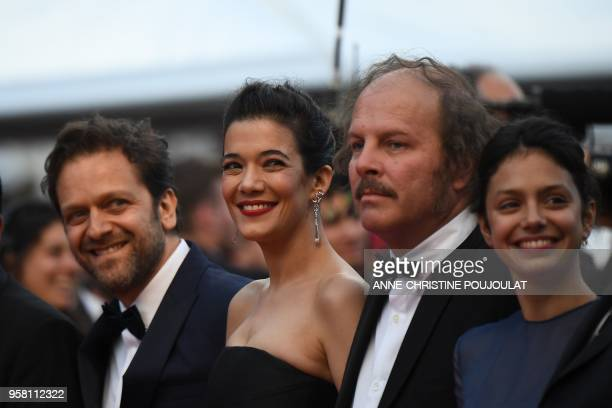 Belgian actor Jonathan Zaccai French actress Melanie Doutey French actor Philippe Katerine and French actress Noee Abita pose as they arrive on May...