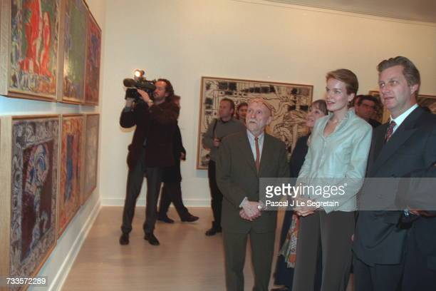 Belgian artist Pierre Alechinsky at the Lelong art gallery with Princess Mathilde and Prince Philippe