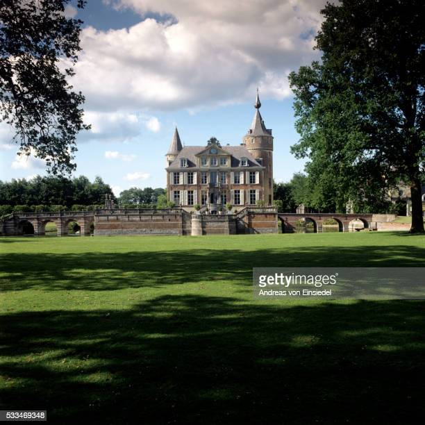 belgian castle - traditionally belgian stock pictures, royalty-free photos & images