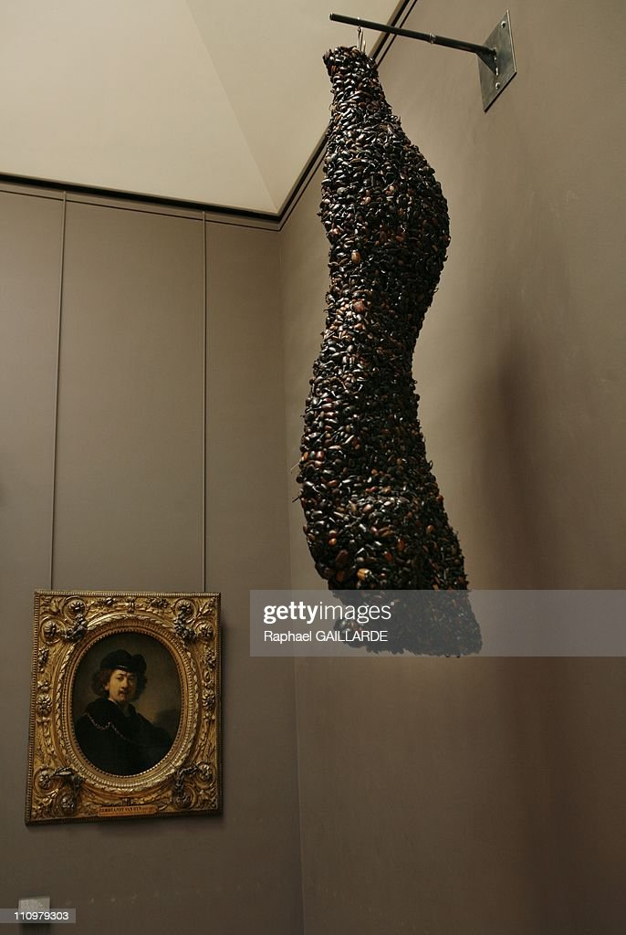 Belgian conceptual artist Jan Fabre presents some of his creations at Musee du Louvre in Paris, France on May 23rd, 2008 : Fotografía de noticias