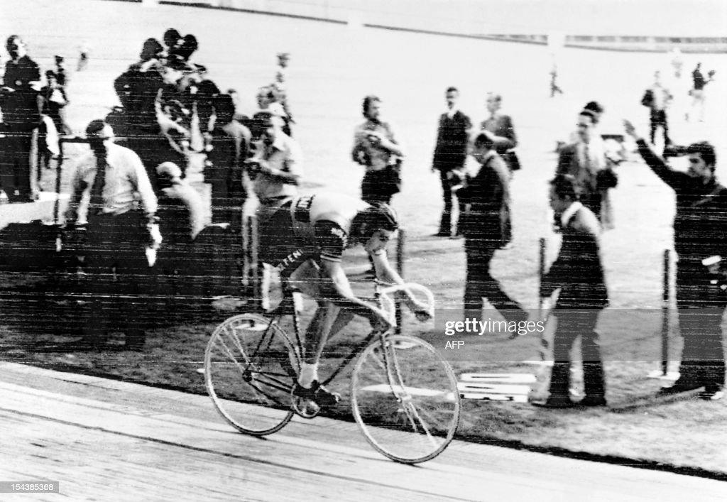 CYCLING-EDDY MERCKX : News Photo