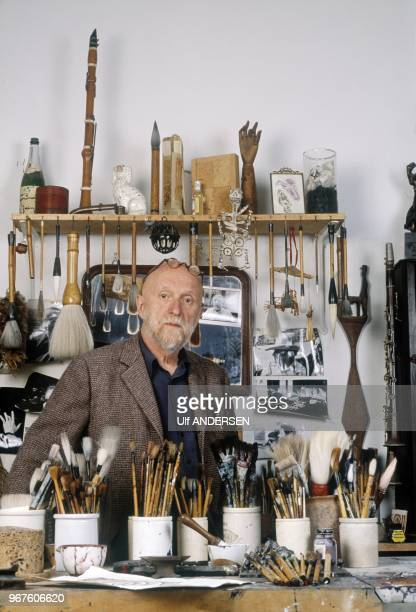 Belgian painter Pierre Alechinsky session portrait on February 25 1989 in Bougival near SaintGermainenLaye in Yvelines Department France