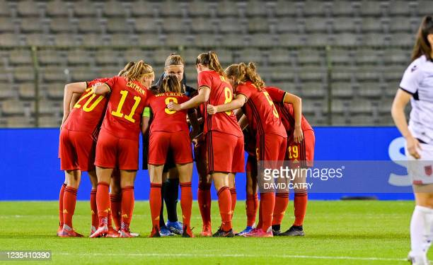 Belgian players getting together ahead of the second half of a soccer game between Belgium's national team the Red Flames and Albania, Tuesday 21...
